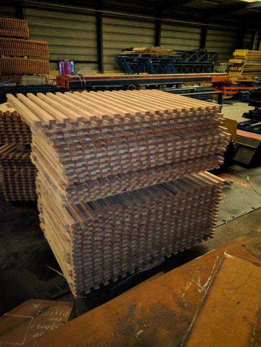 Gebruikte vlonders 180 x 110 cm lat om lat