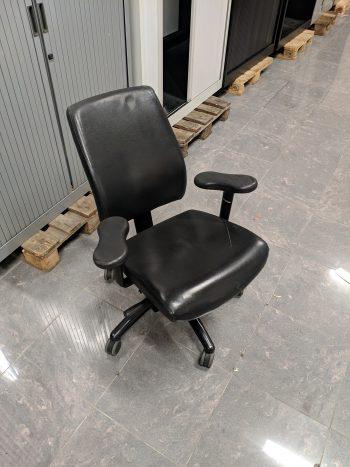 Gebruikte bureaustoel leer zwart